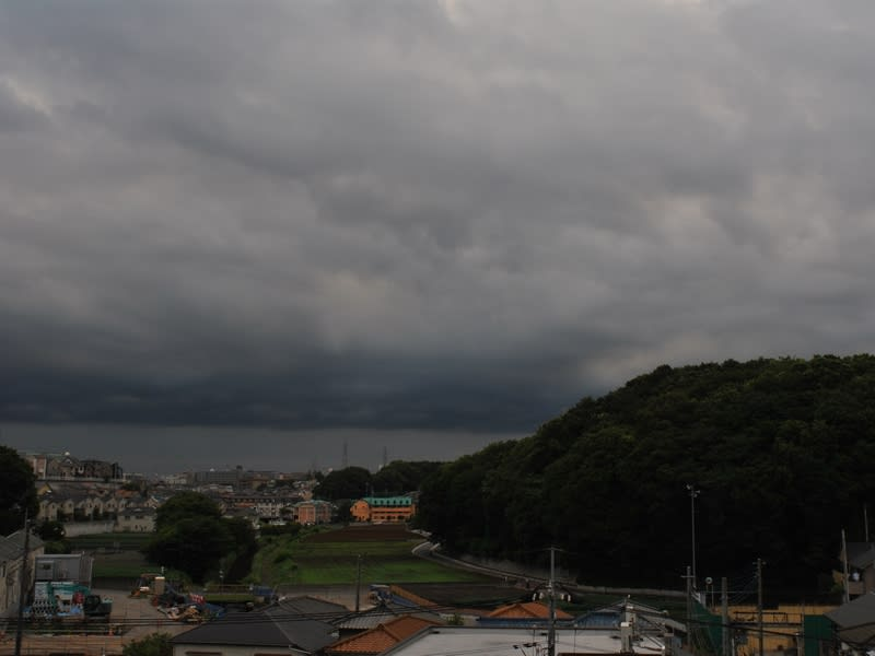 06月30日 空が重い