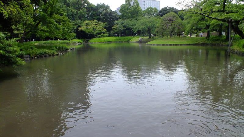 小石川後楽園の池は琵琶湖を模している