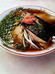 8月8日:関東風しょうゆラーメンに、餃子ワンタン+メンマのトッピング