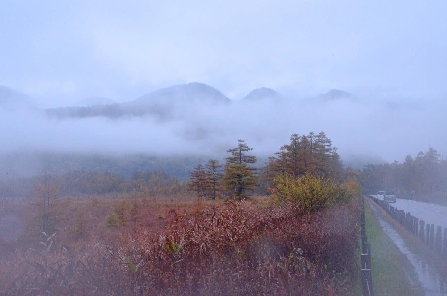 2020 10 17  戦場ヶ原より、 朝霧の三岳を撮す。