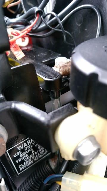 94e77f6926291 バッテリー交換 - マラソンとNCロードスターとKZ1000MK2