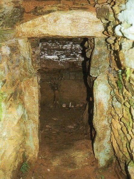 岡峯古墳石室