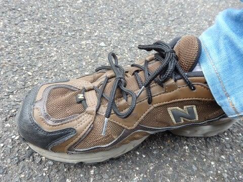 ニューバランスのHPで紹介されていた、靴ひもの2本結び。 年季の入ったMT503で利用しています。
