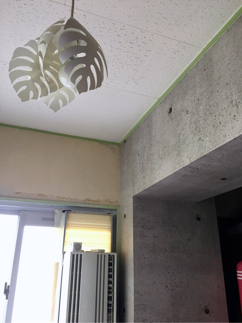 コンクリート風壁紙 ルノン たれぞーの日記 Diy セルフリノベーション