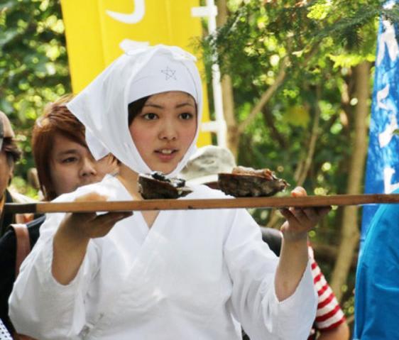 しろんご祭り>年に1日だけの海女漁解禁 三重・鳥羽 - ジジイのたわごと