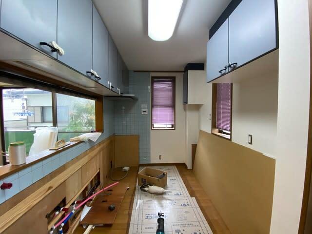 キッチンリフォーム工事中の写真