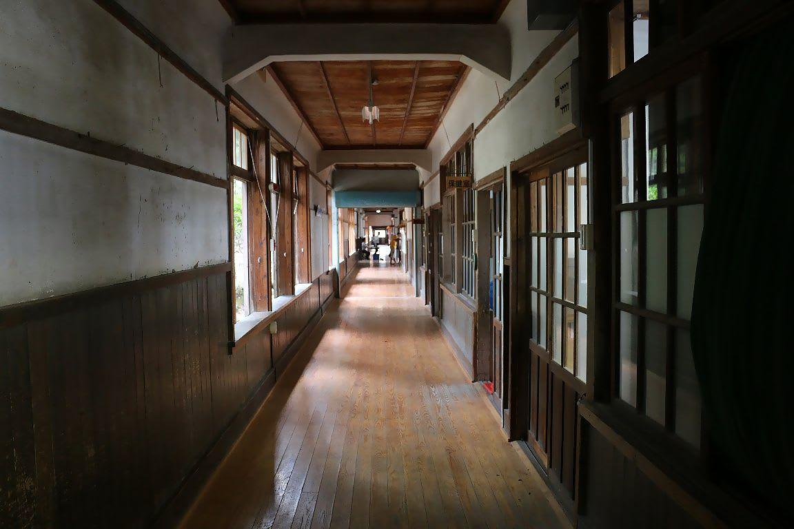 旧明倫小学校 保存整備前の見学...