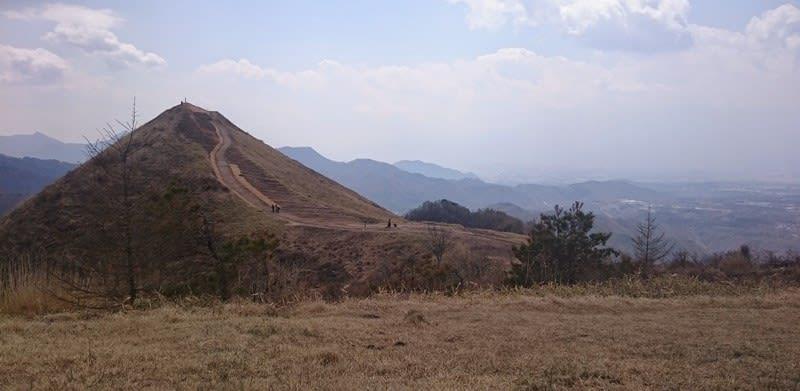 長野県の飯盛山はめしもりやまと読む