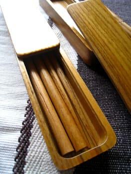 華美な装飾のない(ケースも含む)木目だけのシンプルな携帯箸がずっと欲しくて探していたところ、ようやく気に入ったものが無印良品で見つかったので自分とhikaruの分  ...