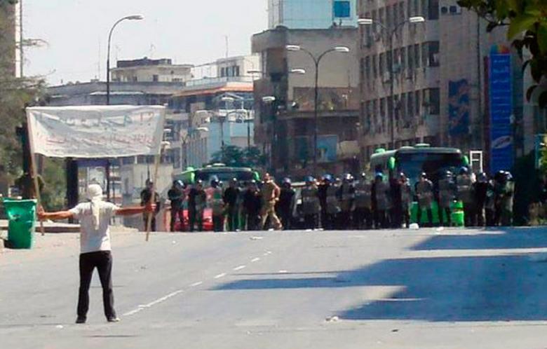 するとあとから何人も着いてきて、二百メートルも走らないうちに、何百名かのデモというか、群衆のうねりになっちゃった