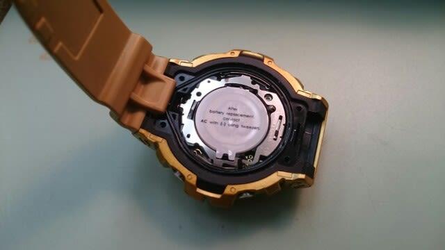 429434b55f カシオ G-SHOCK電池交換です裏蓋を開けるのに、バンドを外すなど一般的なお品ものに比べ手間はかかります。 お預かりする場合もありますが、電池交換 しています。