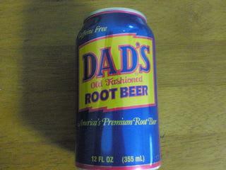 今回は「DAD'Sルートビア」 何種類かあるらしい。