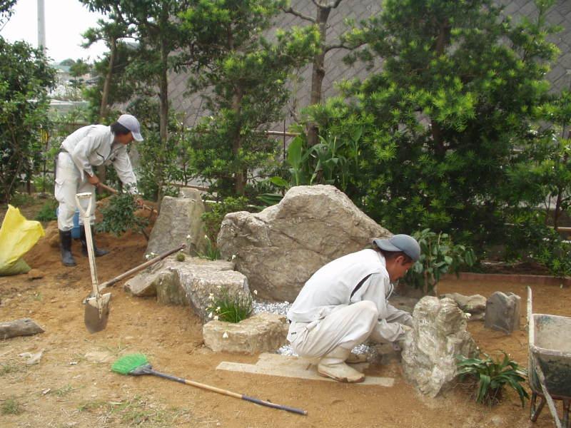 石組みメインの和風庭園4