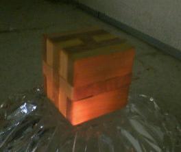 残念ながら、箱の作り方はどこにもUPされておりませんでした(って当たり前か) ちなみに、これがコトリバコかも?という写真はめっけました↓