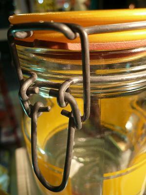 Tea_glass_canister
