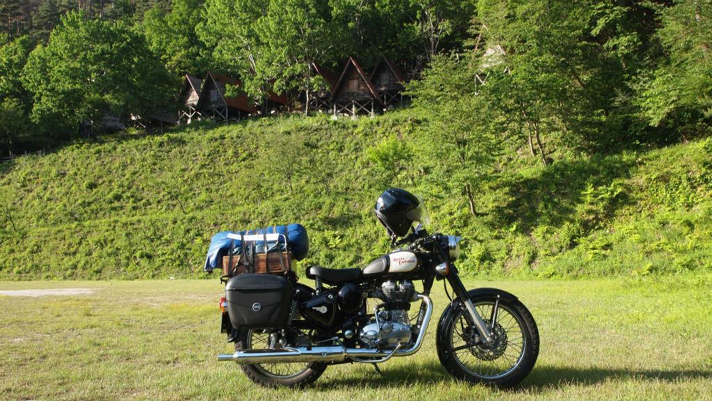 バイク エン フィールド パワーは必要ない!!「味」で乗りたいロイヤルエンフィールドの魅力