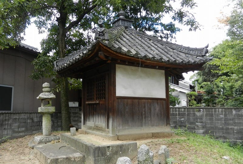 小池寺門前地蔵堂