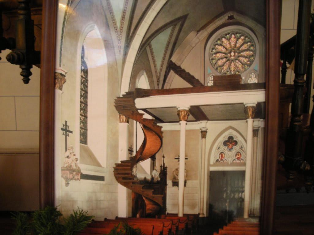 聖ヨゼフの階段(アメリカのニューメキシコ、サンタ・フェにあるロレット・チャペル)