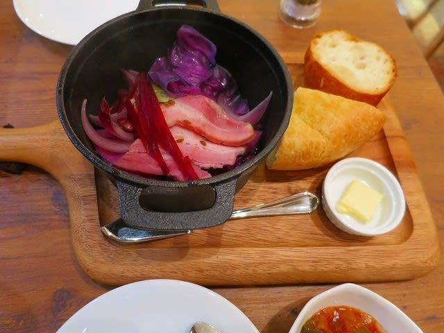紫野菜とベーコンのエチュベ