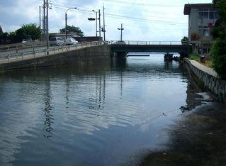旧加茂川から米子港を望む