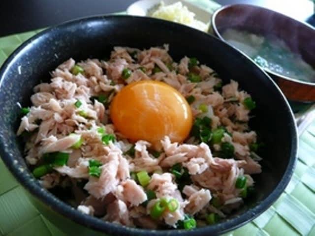 超簡単朝ごはん☆ツナ卵丼(卵かけご飯)