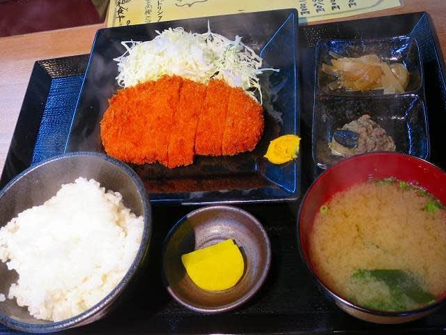 日替わり定食(とんかつ)