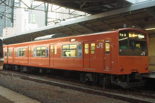 クハ200-65