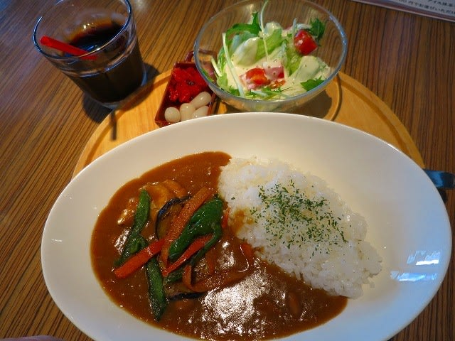 B特製チキンカレー(洋食屋のライスカレーランチセット)