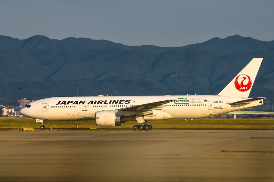JALの777-200ER退役機、2機目も鶴丸のまま離日 ✈️新型コロナ、売却に ...