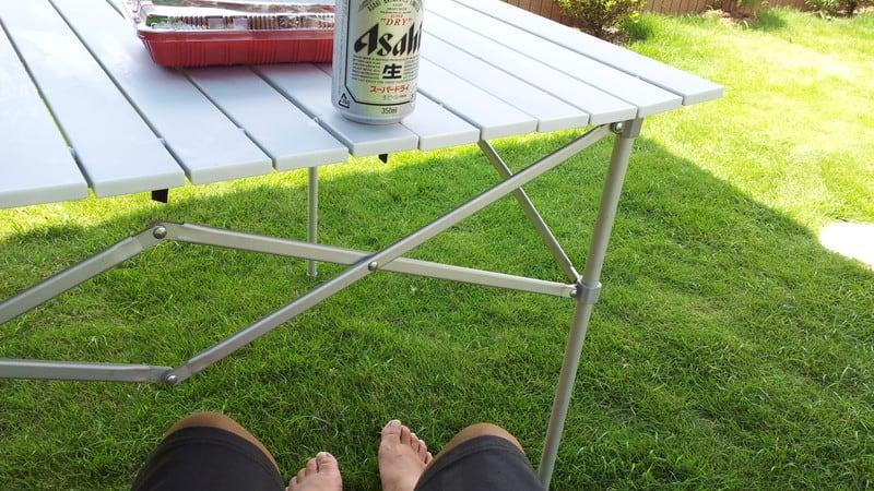 タープを張って、ガーデンランチ中!