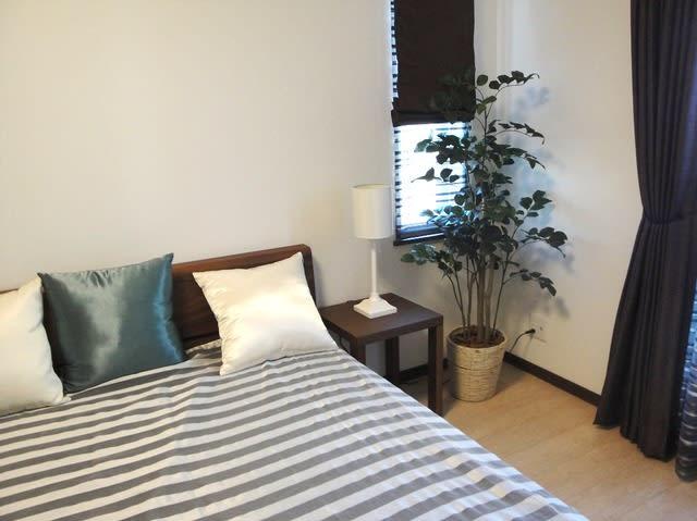 寝室 おしゃれで癒しの 人工観葉植物 ポリシャス