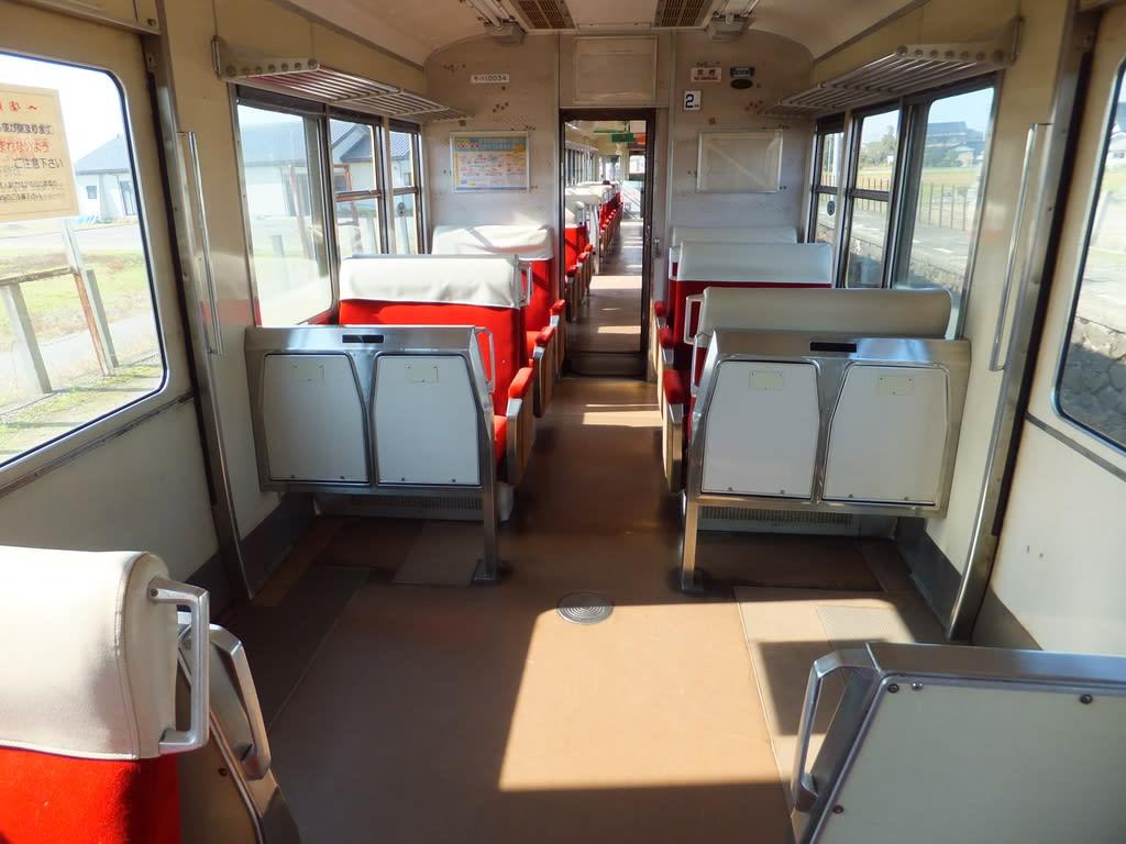 富山地方鉄道の元京阪3000系車内
