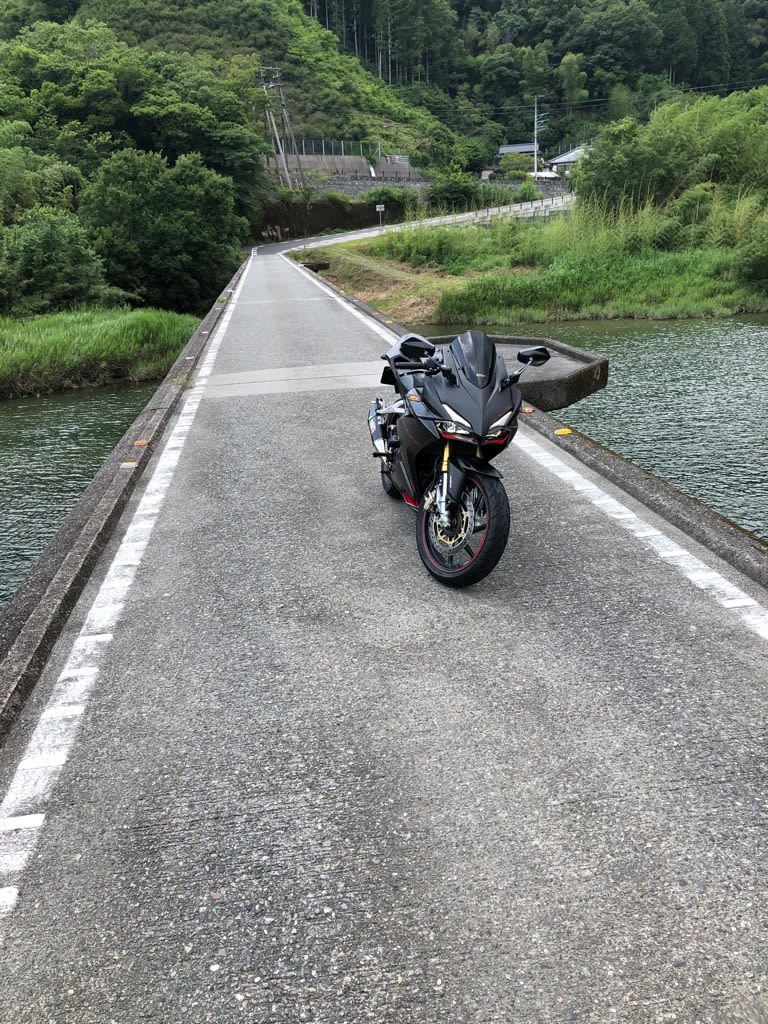 サンブランドハウス高知西店長塩見太郎のバイクの写真です。