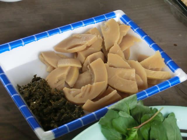 絶品、たけのこの煮ものと葉山椒の佃煮