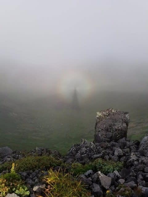 羊蹄山でブロッケン現象を見た -...
