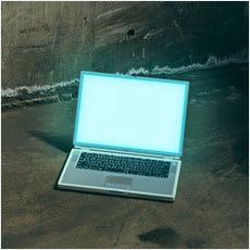 「怪談より怖い?パソコン周りの怖い話 ←こ」の質問画像