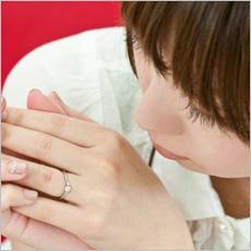 「未婚女性「左手薬指に指輪」はNG? ←こ」の質問画像