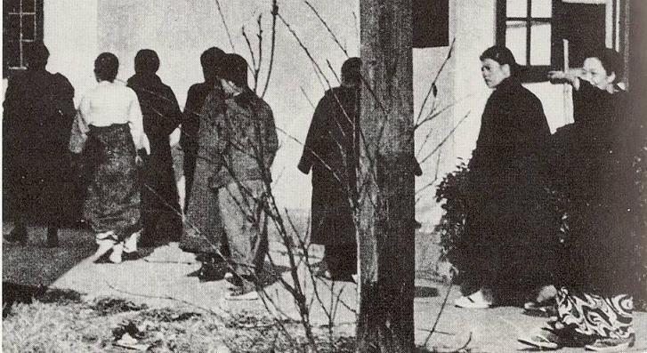 日本絶体絶命のピンチ!!!! 慰安婦強制連行の証拠写真が ...