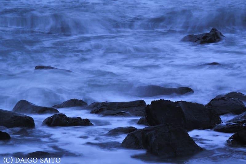 荒れる静かな海Ⅰ
