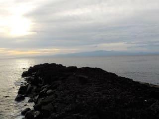 海が見える露店風呂と長根岬(伊豆大島)