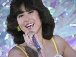 黒髪の松田聖子さん