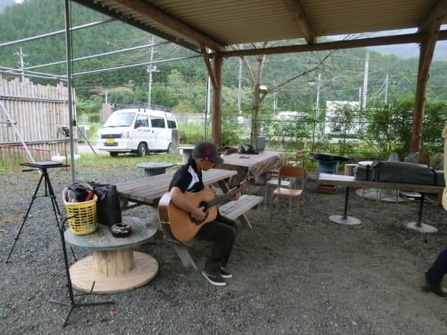 諏訪さんのギター演奏