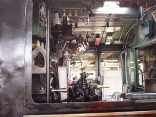機関車運転室