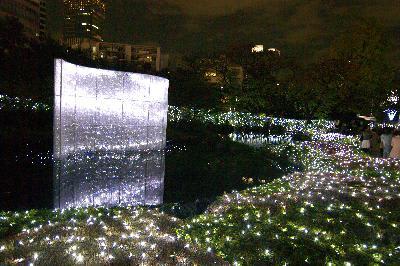 毛利庭園のクリスマスイルミネーション
