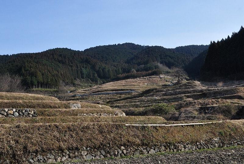 眺めの良い場所に有る岩坂の古墳