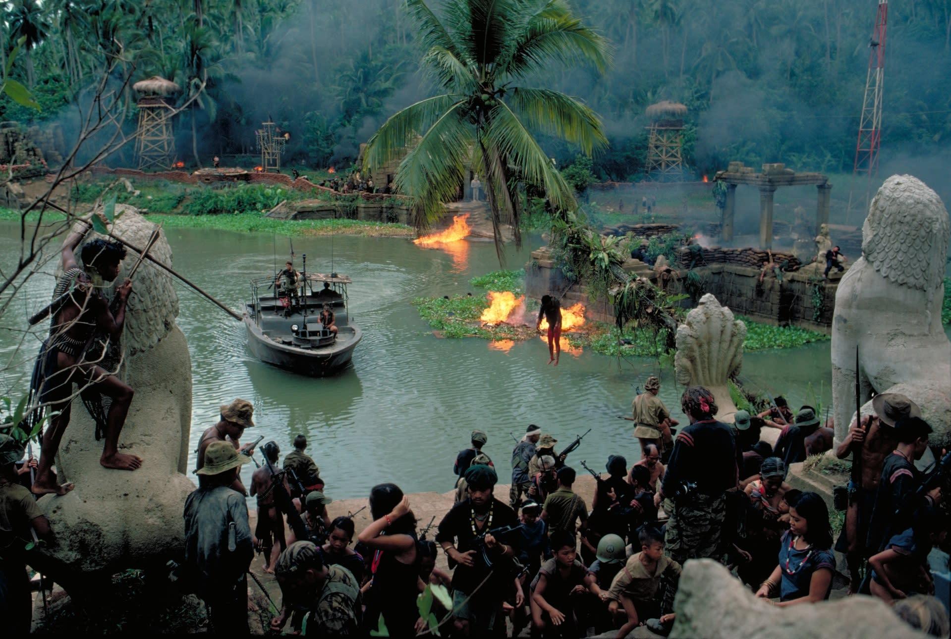 ベトナム戦争はアメリカ軍産の金儲けが第一の腐った心根が描き出した地獄絵だった。その心象風景をなぞってみれば、このような薬物中毒間者が見るような、幻想風景となるのか。