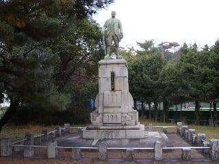植木元太郎銅像 - 島原半島博物...