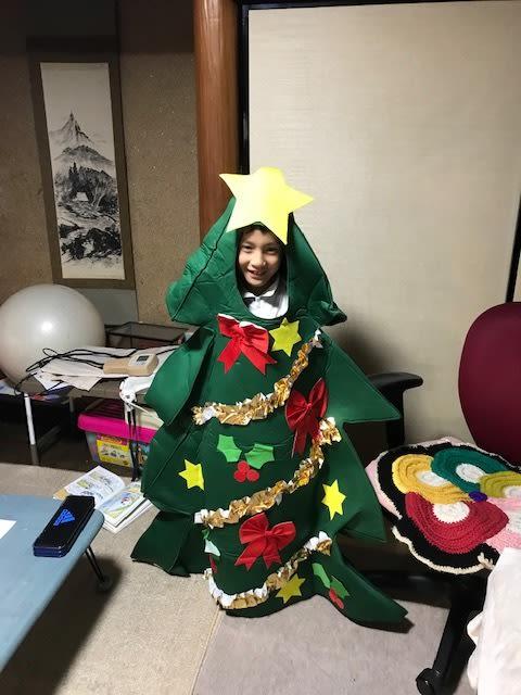 クリスマスツリーを着てみました