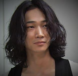 でも、そこは綾野さんです。