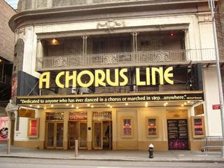 On-BroadwayとOff-Broadwayの違...